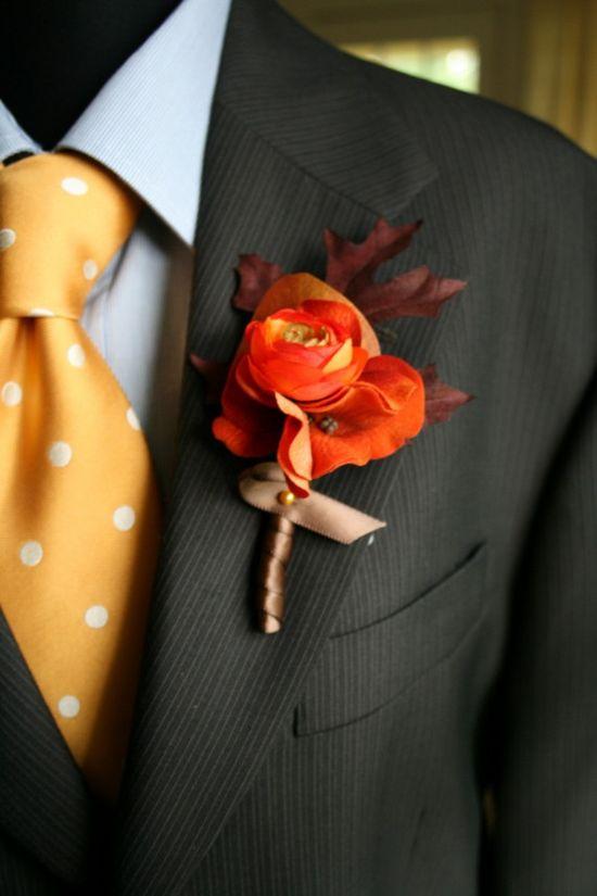Autumn wedding boutonniere and tie.