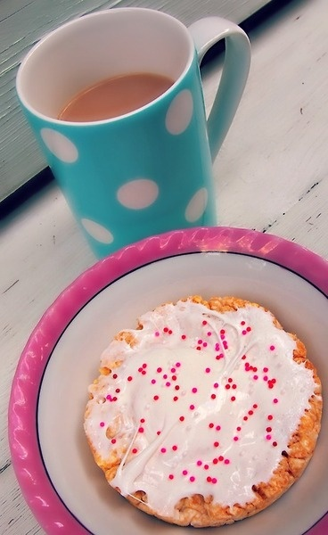 Perfect 100 Calorie Sweet Tooth Cure!  Caramel rice cake with 2 melted jumbo marshmallows on top and a side of coffee!