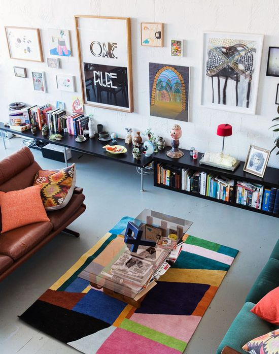 Simon & Melissa's amazing lounge-room