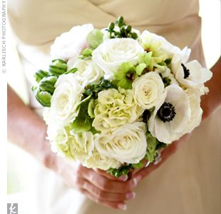 Bouquet with white and green flowers