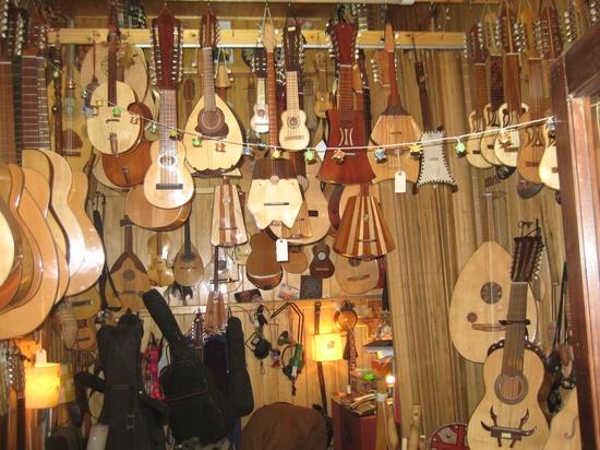 Handmade music instruments at Los Dominicos Artesian Village