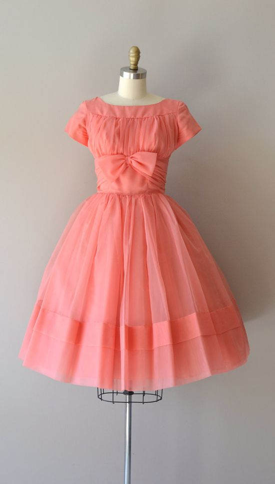 #partydress #vintage #frock #retro #teadress #romantic #feminine #fashion