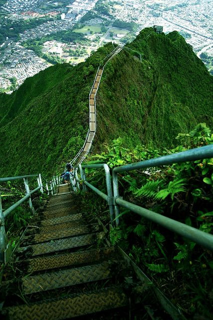 The Ha?ik? Stairs, also known as the Stairway to Heaven in Oahu Island, Hawaii