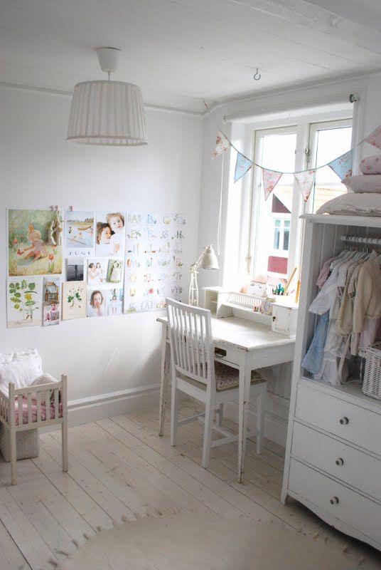 Great scandinavian look for Niamh's desk space in her room.