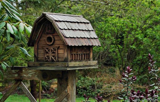 Barn Birdhouse, I like this....