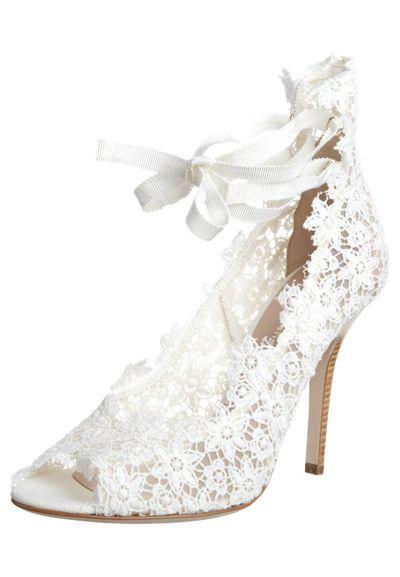beautiful lace shoes!