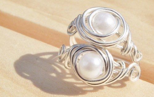 Very pretty wire wrap! White Pearl and Sterling Silver Wire Wrapped Ring