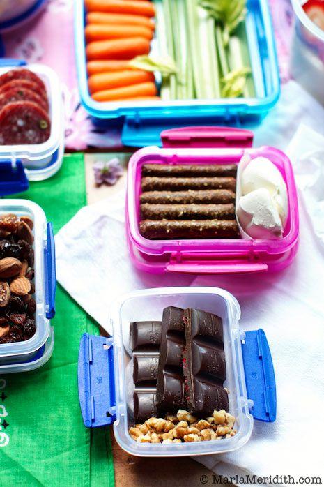 100+ Healthy, Delicious & Easy Lunchbox Snacks on FamilyFreshCookin... © MarlaMeridith #projectlunchbox