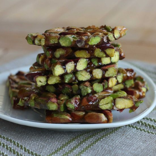 Pistachio Brittle by italianchips #Snacks #Pistachio