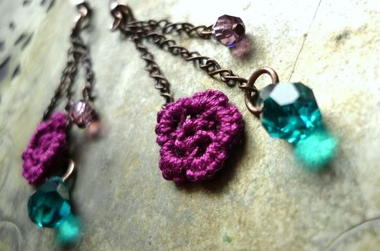 love! $17 #etsy #flower #earrings #jewelry #tatted #handmade