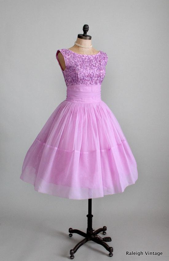 Vintage 1950s Lilac Ribbon Chiffon Prom Dress #dress #1950s #partydress #vintage #frock #retro #teadress #petticoat #romantic #feminine #fashion