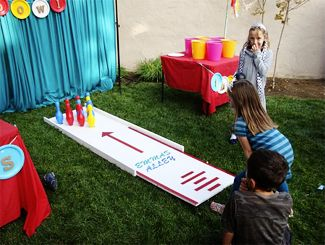 kid's carnival party, bowling game