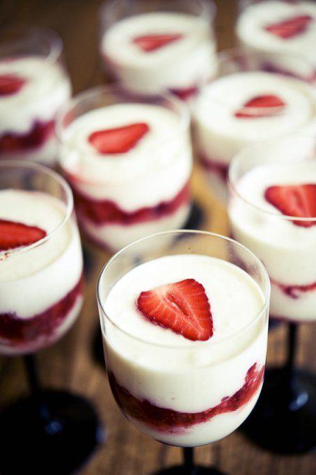 Delicious Strawberry Parfaits