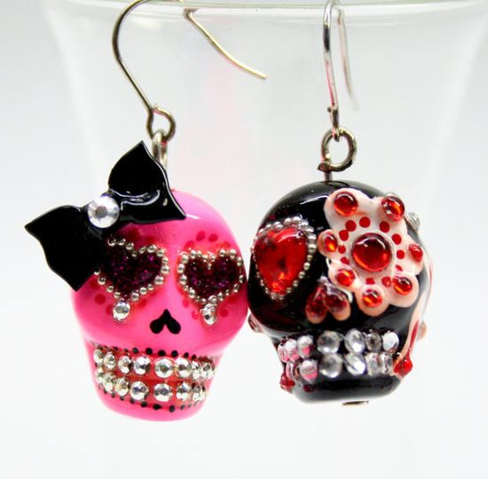 Very cool Day of the Dead Sugar Skull Earrings. #earrings #jewelry #Day_of_the_Dead #costume