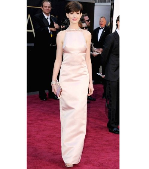 loved anne hathaway's pink prada dress at the oscars 2013