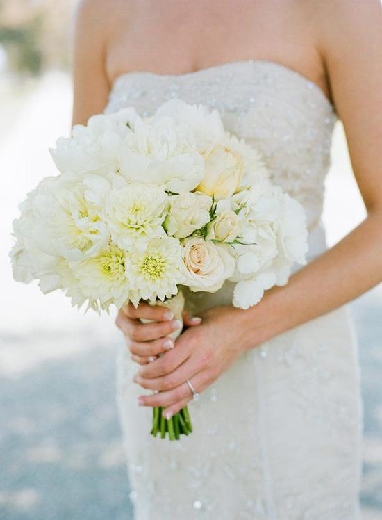 Love the wedding dress