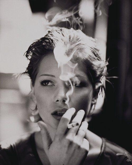 Michelle Williams #portrait #celebrity #smoke