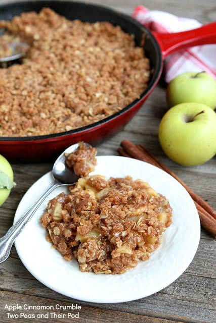 Apple Cinnamon Crumble from www.twopeasandthe... #recipe #apple #dessert