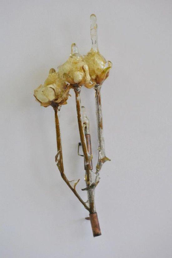 Azahara Santoro - broche de la serie 'Hipopotomonstruosesquipedaliofobia' : es una colección de joyería en la que se representa una serie de fobias y bichos pertenecientes a otro mundo surgido de la imaginación
