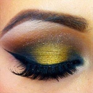 Gold eye makeup #vibrant #smokey #bold #eye #makeup #eyes