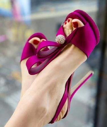 #wedding heels,high heels,shoes,fashion shoes,heels 2013,wedding shoes Classic Kitten Heels #fashion #shoes #heels #women