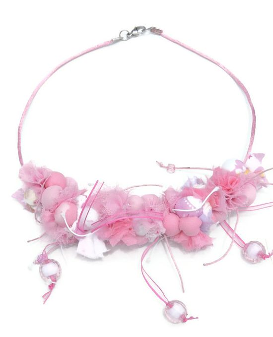 Pink Fabric Necklace Textile jewelry Beaded by AmazoniaAccessories, €37.00 #fabric #necklace #handmade #delicate #feminine #beautiful #beaded #chocker #pink #white #silk #textile #statement #jewelry