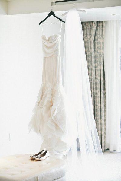 #veils wedding dress by www.verawang.com