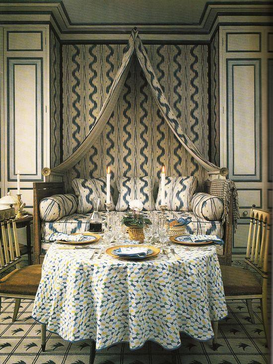 Interior Design: John Fowler and Nancy Lancaster. Pierre Frey Toile de Nantes.