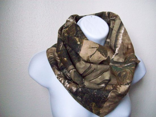 Real Tree Camo Infinity Scarf by ButteifulGirls on Etsy, $20.00