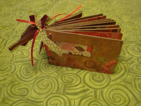 mini scrapbooks make great gifts!