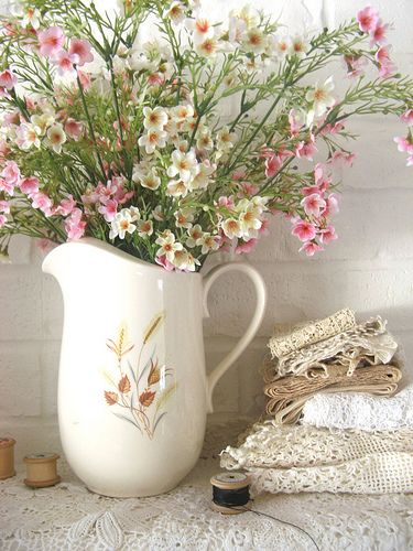 ,delicate - look like wild flowers.  Pretty cottage setting