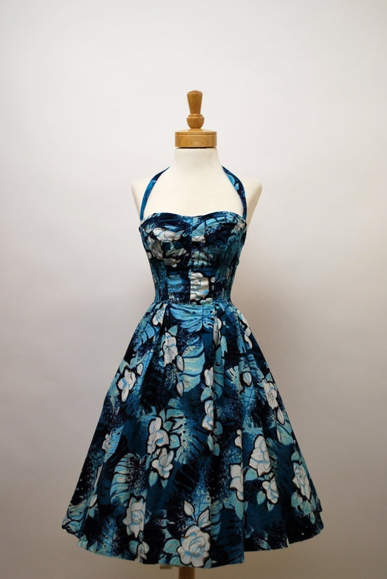 A fabulous 1950s Alfred Shaheen halter dress in shades of blue, black and white (with detachable halter strap). #vintage #1950s #tiki #fashion #dresses
