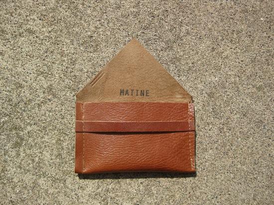 avgvst business card holder - cognac leather