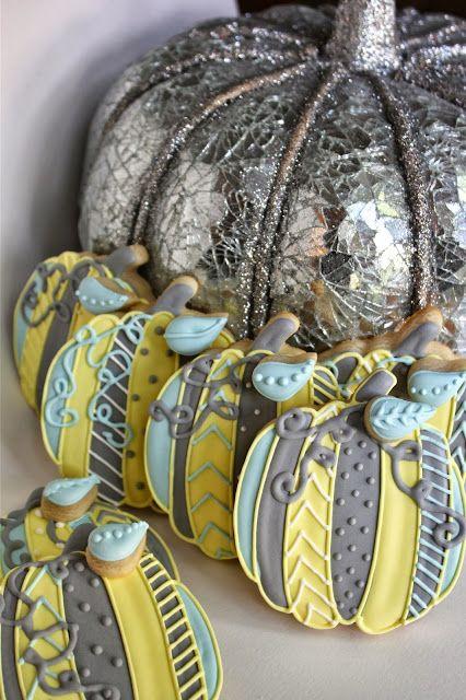 Sugar Bea's Blog: Pumpkin Decorated Cookies {Easy Picture Tutorial}