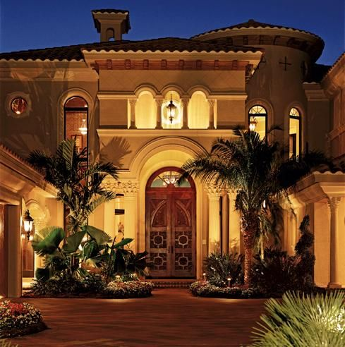 Gorgeous home and beautiful entry