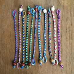 Tutorial for the fastest friendship bracelet you will ever make.