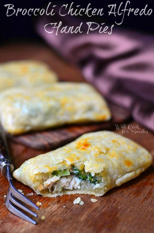 Broccoli Chicken Alfredo Hand Pies 3  (c) willcookforsmiles... #handpies #chicken #alfredo