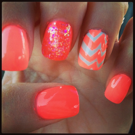 Chevron Ombré Coral nails