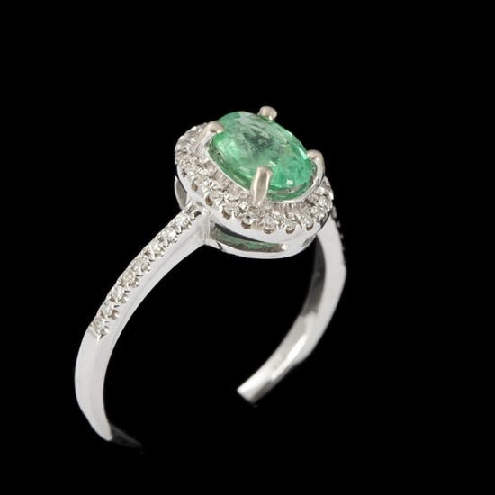Gold, emeralds, approx. 1 carat and diamonds ring #expertissim
