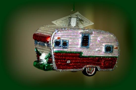 Vintage travel trailer ornament