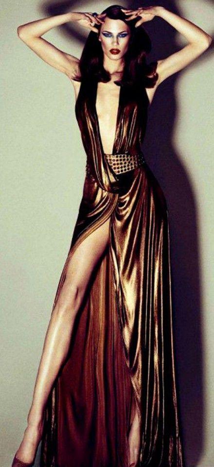 Golden  #moda #fashion #roupa #passarela #catwalk