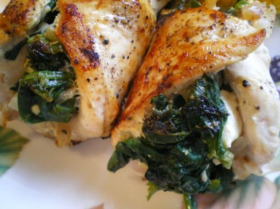 Spinach and Feta Stuffed Chicken - 30 minutes & only 215 calories looks amazing
