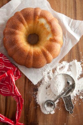 Paula Deen Mama's Pound Cake