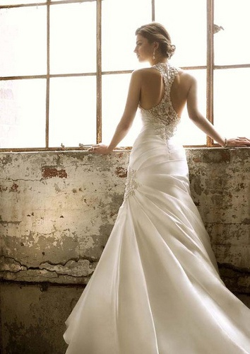 Elegant Wedding Dress 2013 (don't need it but love the back of the dress)