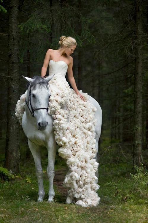 #bride #Wedding #love #fashion #glamour #elegance #white