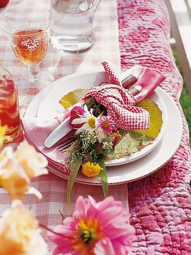 place setting for an informal picnic