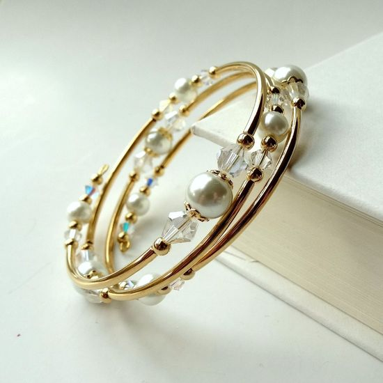 Memory Wire Bracelet White Pearl Crystals Gold Bangle 3 Wraps