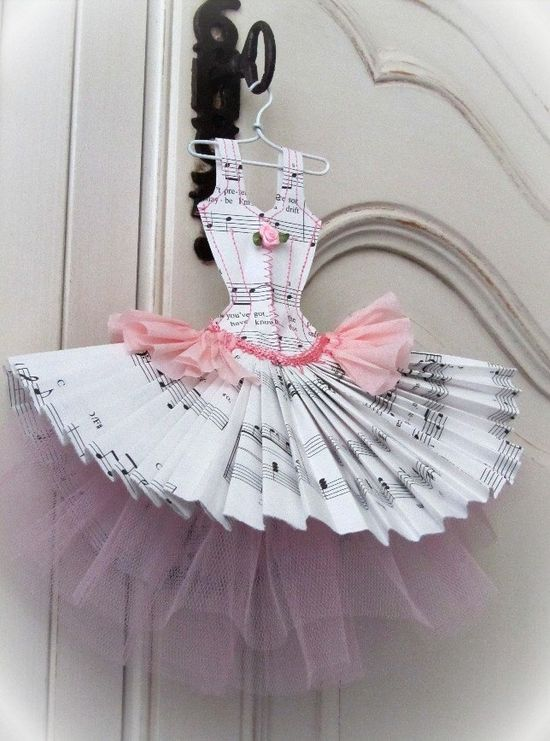 Cute embellie for a ballet card or page must scraplift!
