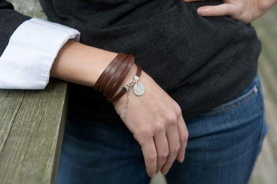 Brown leather bracelet (etsy)