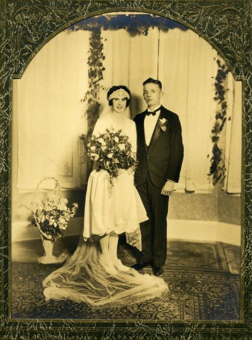 Awesome vintage 1920s wedding photo
